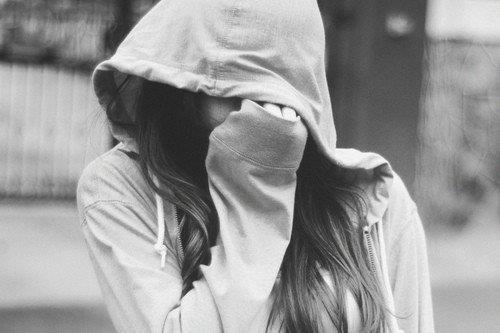 hide in hood.