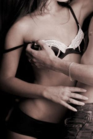 undress.