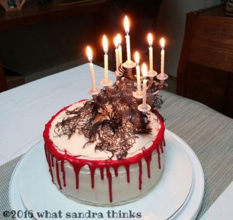 goth cake lit.