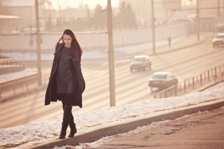 woman-walking-snow